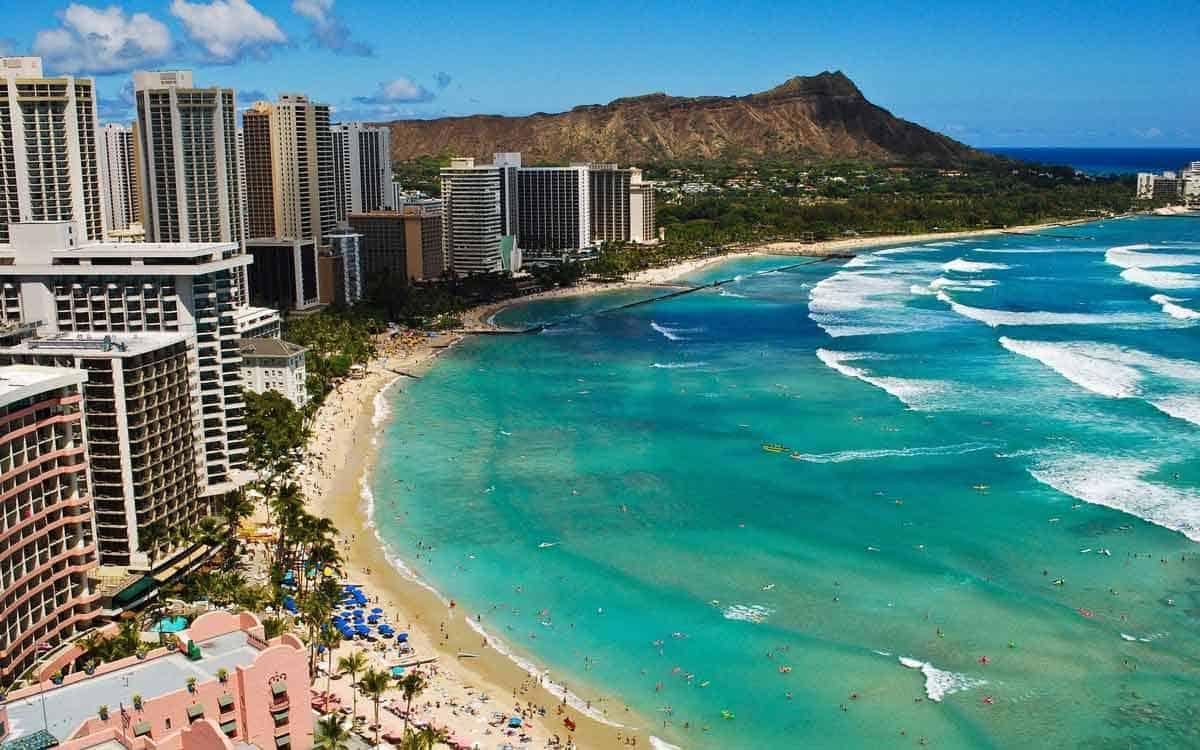 The Diamond Head crater as seen from Waikiki Beach in Oahu, Hawaii