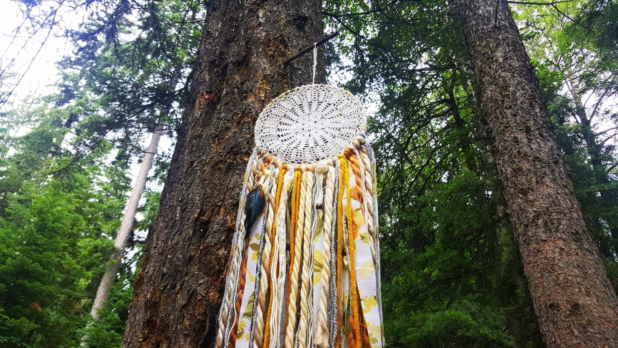 Giveaway: Win A Gorgeous Dreamcatcher From HippBee
