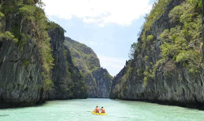 Kayaking down El Nido in the Phillippines
