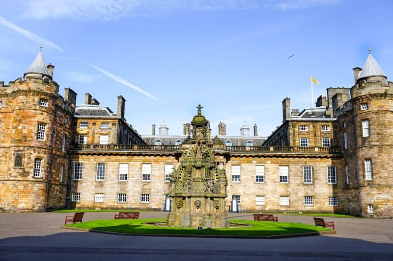 Holyrood Palace is one of my favourite Edinburgh Activities