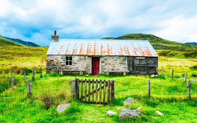 The 10 Best Mountain Bothies in Scotland + Map!