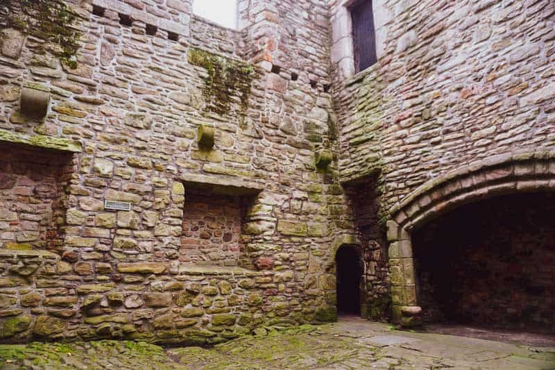 Craigmillar castle Outlaw King Filming Location