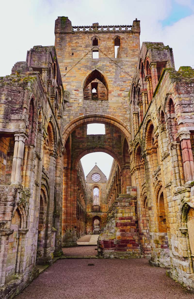 jedburgh abbey on the 10 day trip to scotland itinerary